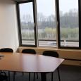 Kenmerken Geschikt: max. 6 personen Gebruik: Vergaderingen en 1-op-1 sessies Vrij uitzicht over de Plas van poot en Aquapark Goed […]